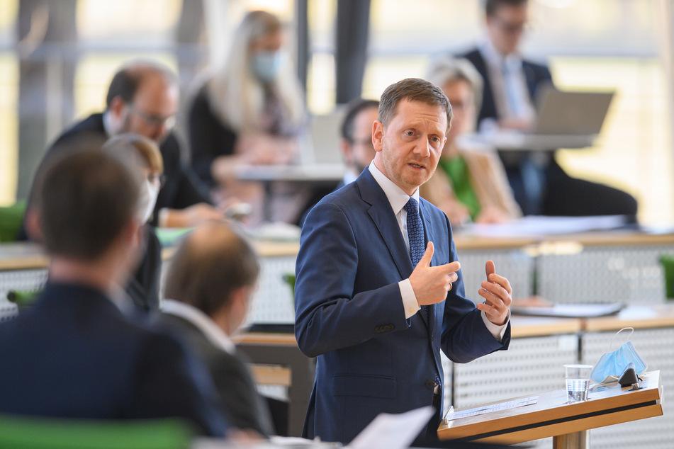 Michael Kretschmer (45, CDU), Ministerpräsident von Sachsen, bei der heutigen Sondersitzung im Landtag.
