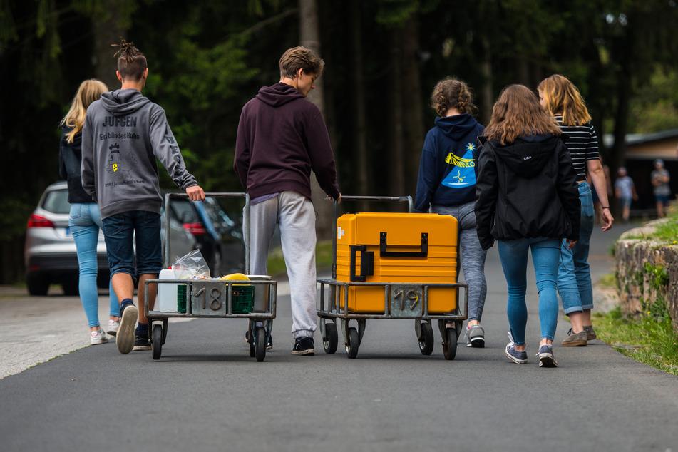 Das Land Nordrhein-Westfalen erweitert seine Kostenübernahme für Klassenfahrten und Schüleraustausche, die wegen der Corona-Pandemie abgesagt werden mussten (Symbolbild).