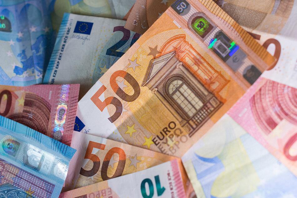 Die Menschen in Deutschland haben in der Corona-Krise in der Summe so viel Vermögen angehäuft wie noch nie.