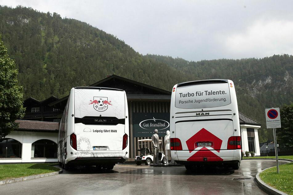 Mit zwei Bussen und insgesamt 29 Spielern ist der Vizemeister nach Österreich gereist.