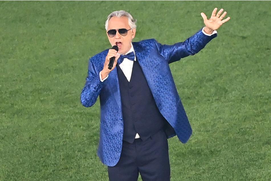 Was für eine Stimme! Andrea Bocelli (62) sorgte mit seinem Auftritt für Gänsehaut.