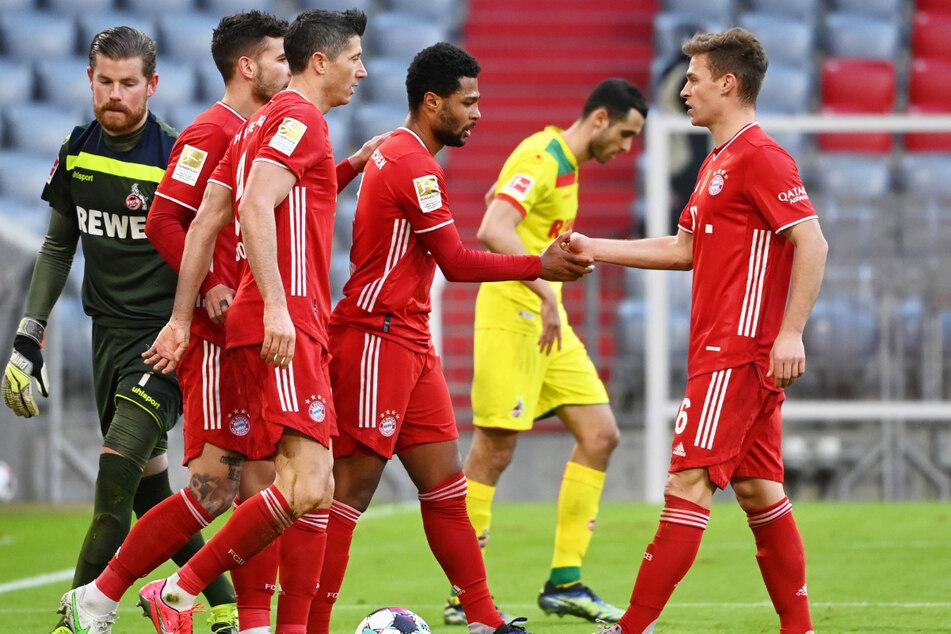 Joshua Kimmich (26, r.) ist beim FC Bayern München ein absoluter Leistungsträger. Nun hat sich der Mittelfeldspieler von seiner Berater-Agentur getrennt.