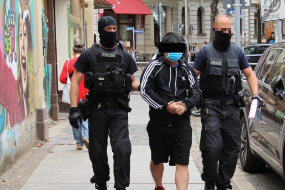 Großrazzia bei Restaurantkette in Leipzig: Illegale festgenommen