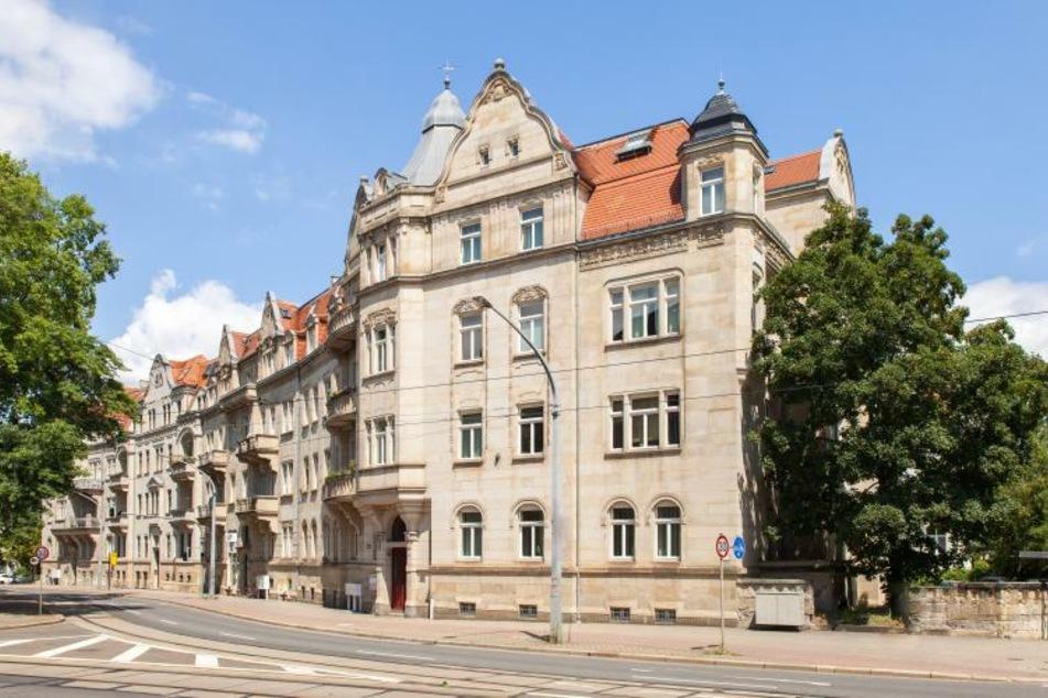 """Die Volkssolidarität auf der Nürnberger Straße (""""Nürnberger Ei"""") in Dresden."""