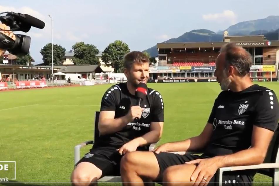 VfB-Vorstandschef Thomas Hitzlsperger (39, l.) fragt Chefcoach Pellegrino Matarazzo (43), wie gut seine Chancen für ein sportliches Comeback sind.