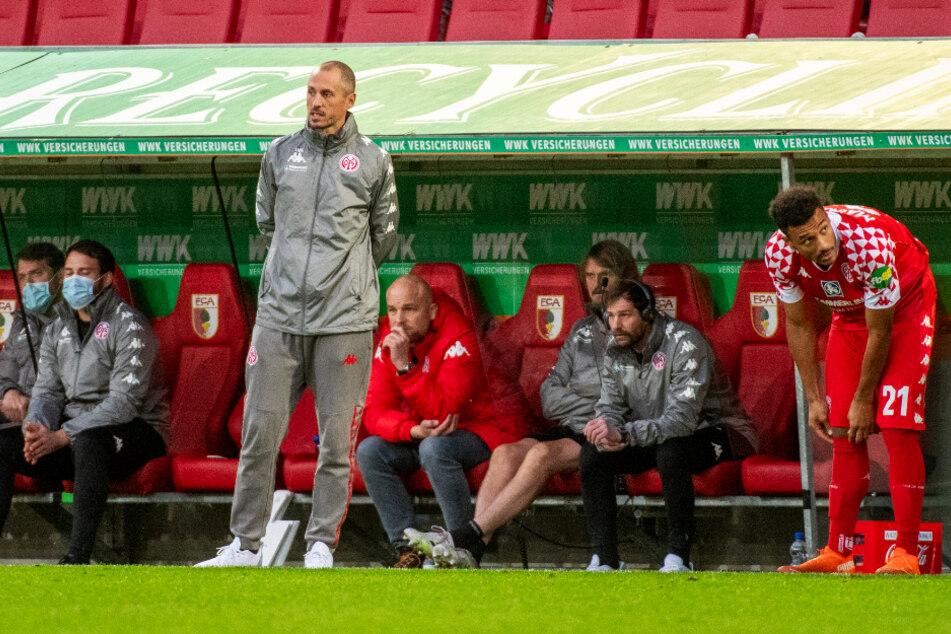 M05-Coach Jan-Moritz Lichte (40; 3.v.l.) ist momentan nicht gerade um seine Aufgabe zu beneiden.