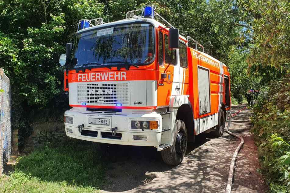 Die Feuerwehr musste mit mehreren Einsatzwagen in den Park anrücken.
