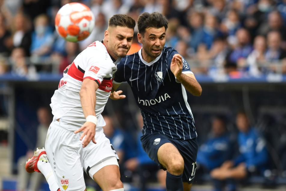 Zweikampfbetontes Spiel! Doch der Gesichtsausdruck von Abwehrmann Konstantinos Mavropanos (23,l.) sagt alles über die Leistung des VfB Stuttgart.
