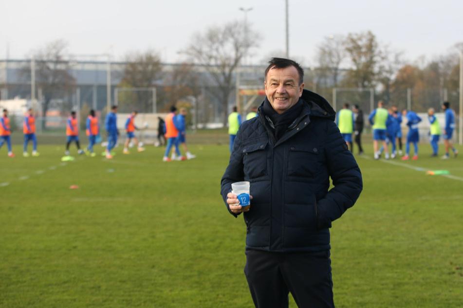Magdeburgs neuer Sportdirektor Otmar Schork (63) stärkt seinem Trainer Thomas Hoßmang (53) vor der Partie gegen den FC Ingolstadt den Rücken.