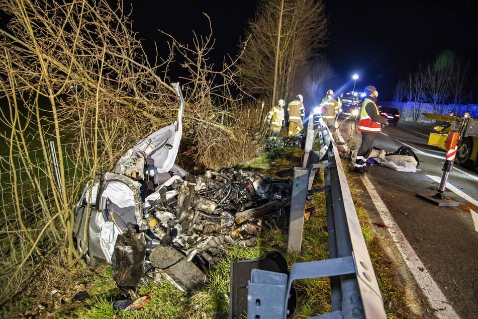 Die Feuerwehr sicherte den Unfallort auf der österreichischen B156.