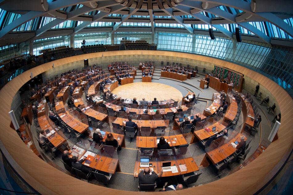 Nach Corona-Sonderregelungen in NRW: SPD beantragt Sondersitzung des Landtags