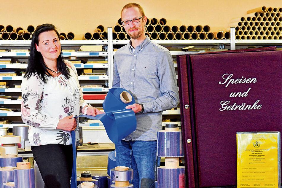 """Die Folienkönige von Coswig: """"Viola""""-Umschläge schützen Bücher und Dokumente"""
