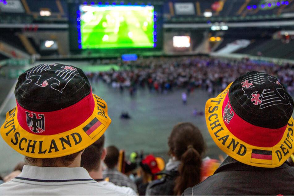 Vorsicht während der EM: Fußball-Schauen kann lebensgefährlich sein!