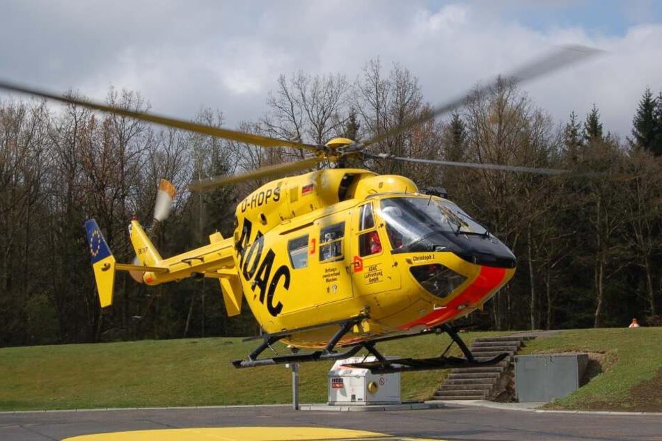 Der ADAC- Hubschrauber musste das Mädchen in ein Krankenhaus fliegen. (Symbolbild)