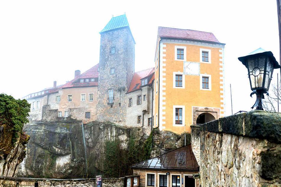 Der Burganlage des beliebten Ortes droht die Schließung.