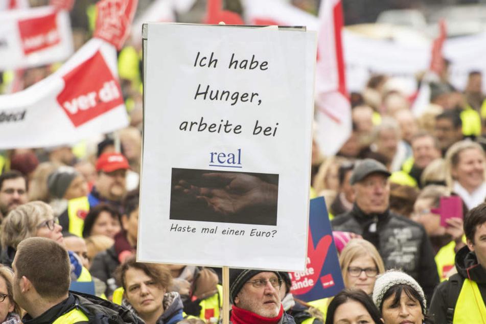 Tausende Mitarbeiter der Kette Real nahmen am Streik teil.