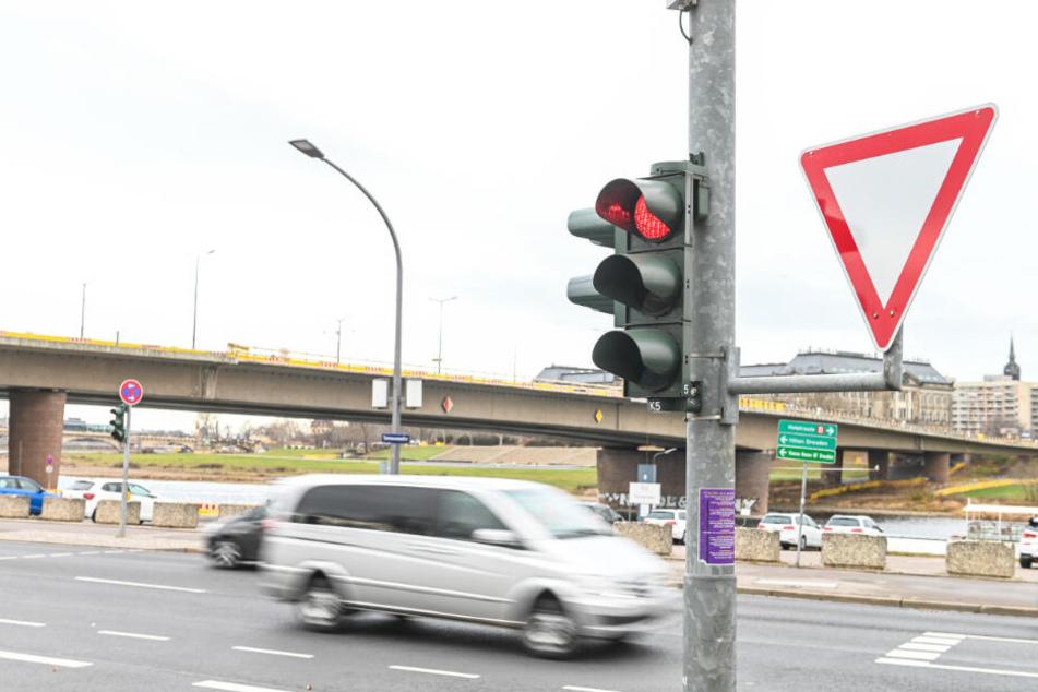 Hier darf nur noch bei Grün rechts abgebogen werden.