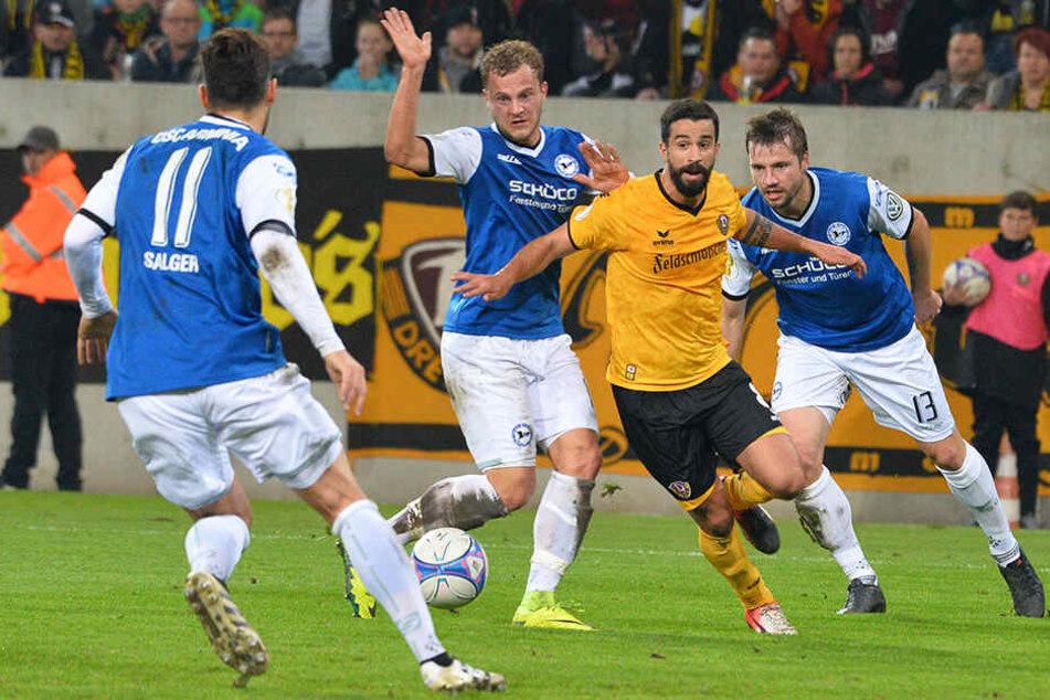 Hier war Nils Teixeira (27, gelb) noch im Dienste von Dynamo Dresden aktiv.