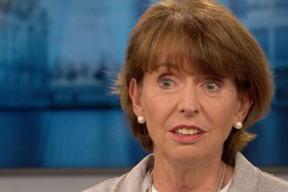 Kölns Oberbürgermeisterin Henriette Reker (parteilos) wurde selbst Opfer eines rechtsextremen Attentats.