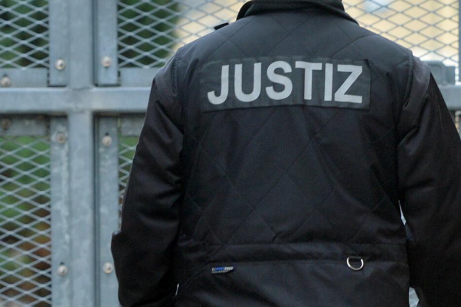 Personalnot! Sicherheit in Gefängnissen gefährdet