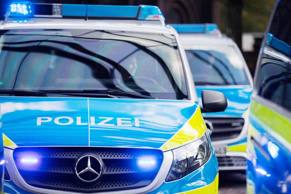 Die Polizei ermittelt aktuell die Unfallursache. (Symbolbild)
