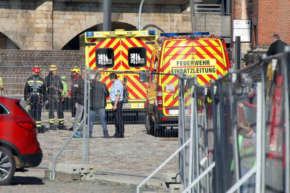 Der Feuerwehrmann musste schwer verletzt ins Krankenhaus gebracht werden.