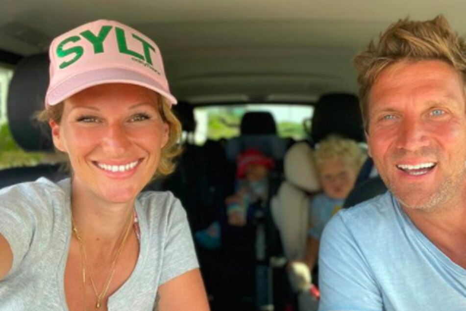 Janni Hönscheid (30) und Peer Kusmagk (45) denken über ein drittes Kind nach.