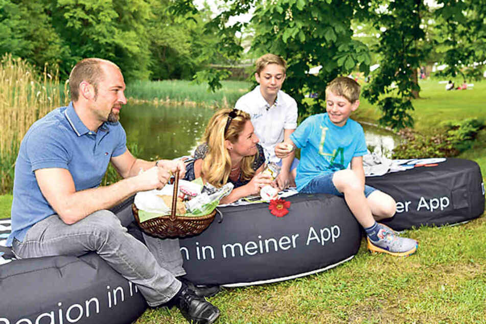 Chillen und genießen im Schönherrpark - die Familie Siegel aus Sosa fand's klasse.