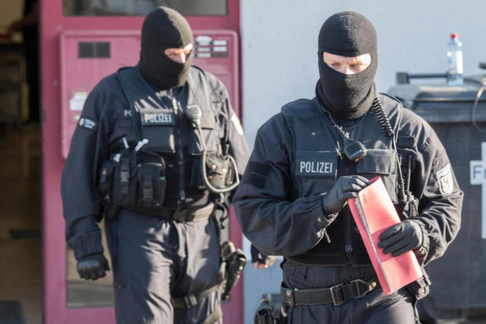 Die sieben anderen Hauptverdächtigen wurden bereits am 18. April festgenommen (Symbolfoto).