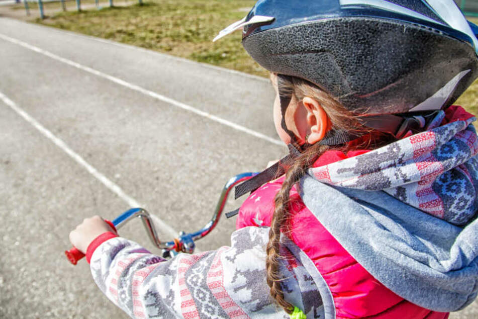Zwei Kinder hatten am Dienstag einen schweren Fahrradunfall. (Symbolbild)