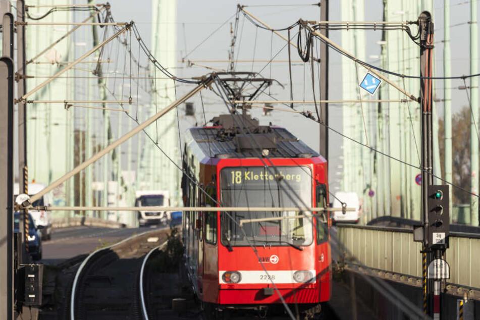 Die Bahnen mit dem Fahrziel Klettenberg fahren bis zur Haltestelle Poststraße.