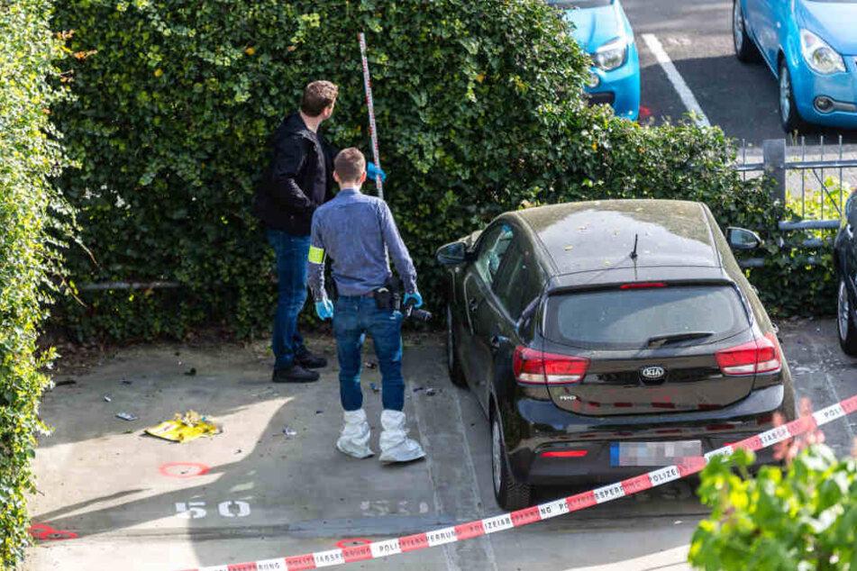 Die Bombe detonierte auf der Motorhaube des Wagens.