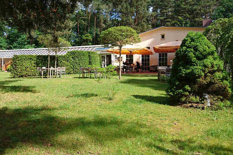 Das Insel-Hotel ist ein beliebter Ort für Trauungen und soll nach der Versteigerung weiter betrieben werden.
