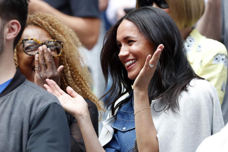 """Meghan unterstützt ihre Freundin Serena Williams beim Tennis Finale der """"US-Open""""."""