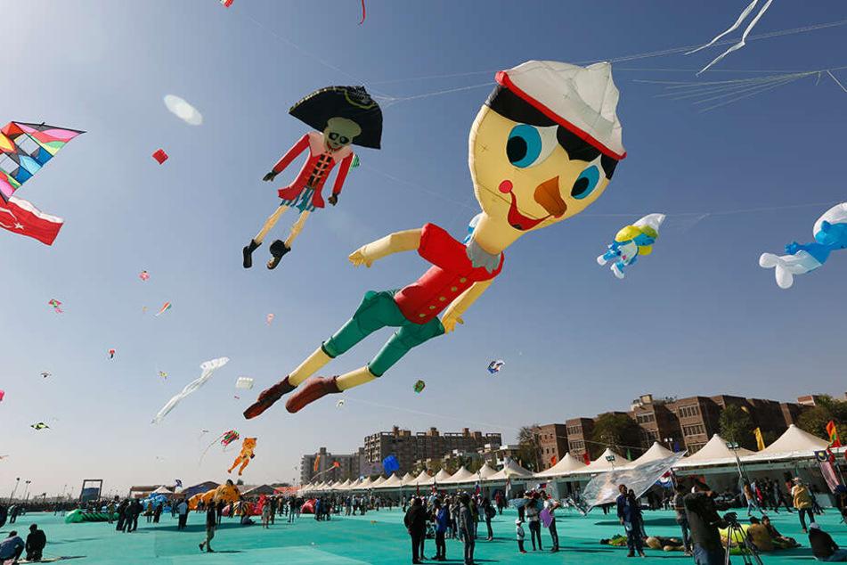 Drachen haben in Indien eine besondere Bedeutung. Einmal jährlich gibt es sogar ein internationales Drachenfestival.