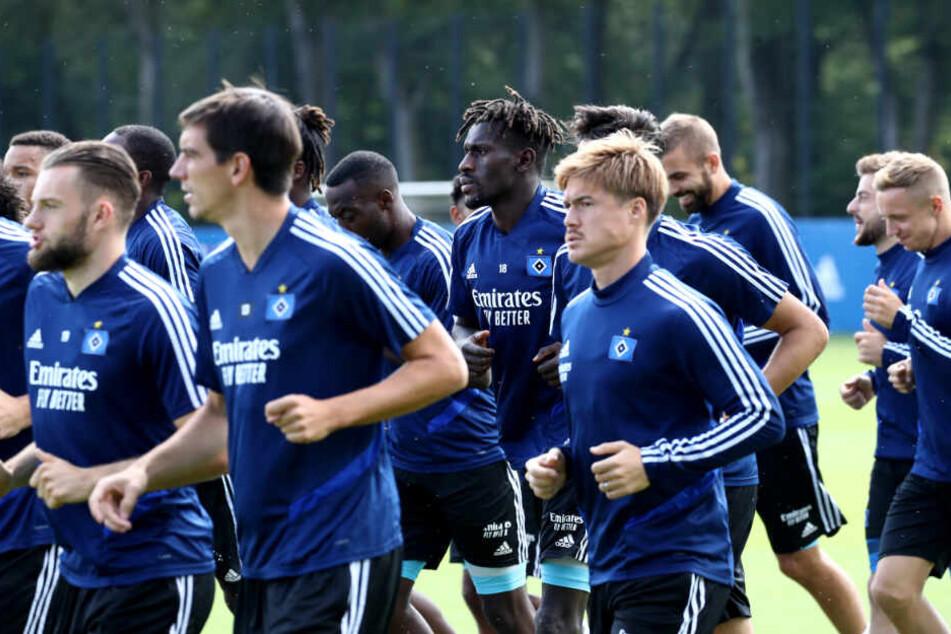 Die HSV-Spieler trainieren bald im Trainingslager in Portugal. (Archivbild)
