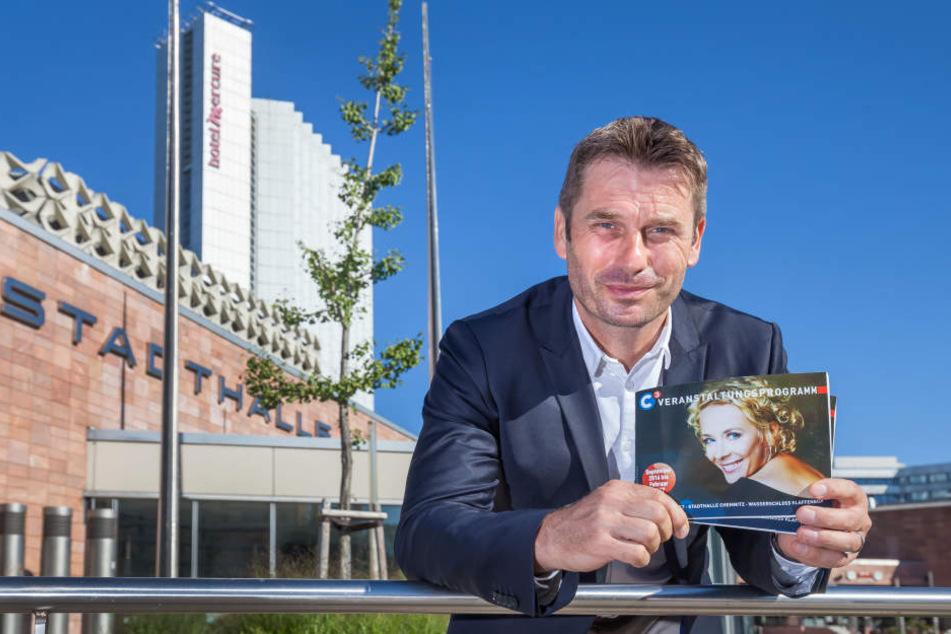 C3-Geschäftsführer Ralf Schulze (47) lässt die Stadthalle bis 2020 für zehn  Millionen Euro sanieren.