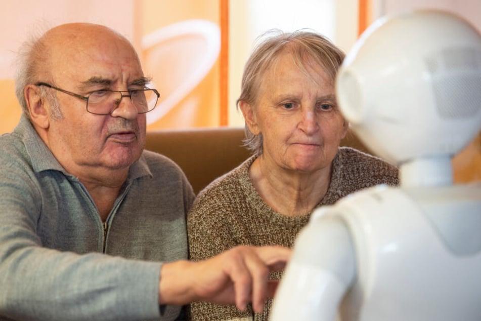 Die Berührungsängste, die Senioren bisweilen mit neuer Technik haben, waren schnell vergessen.