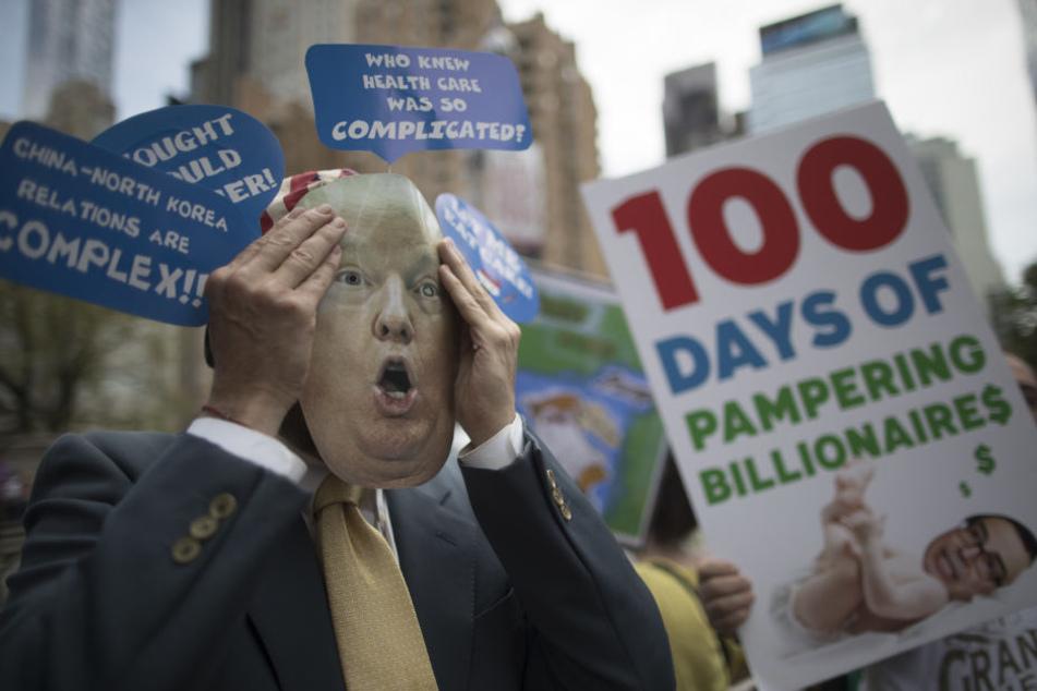 Diese Trump-Gegner machten klar, was sie von ihm halten: 100 Tage Milliardäre pampern.