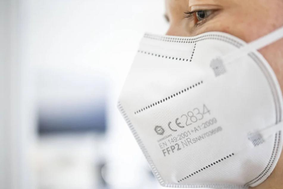 """Irrtum: FFP2-Masken mit dem Aufdruck """"2009"""" wurden nicht vor über zehn Jahren hergestellt."""