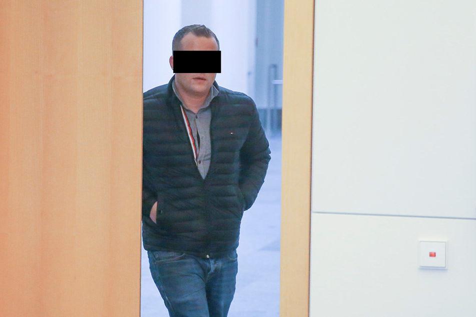Er kutschte Rauschgift durch Sachsen und verbuddelte Crystal im Wald: Timm S. (27) packte vor Gericht aus.