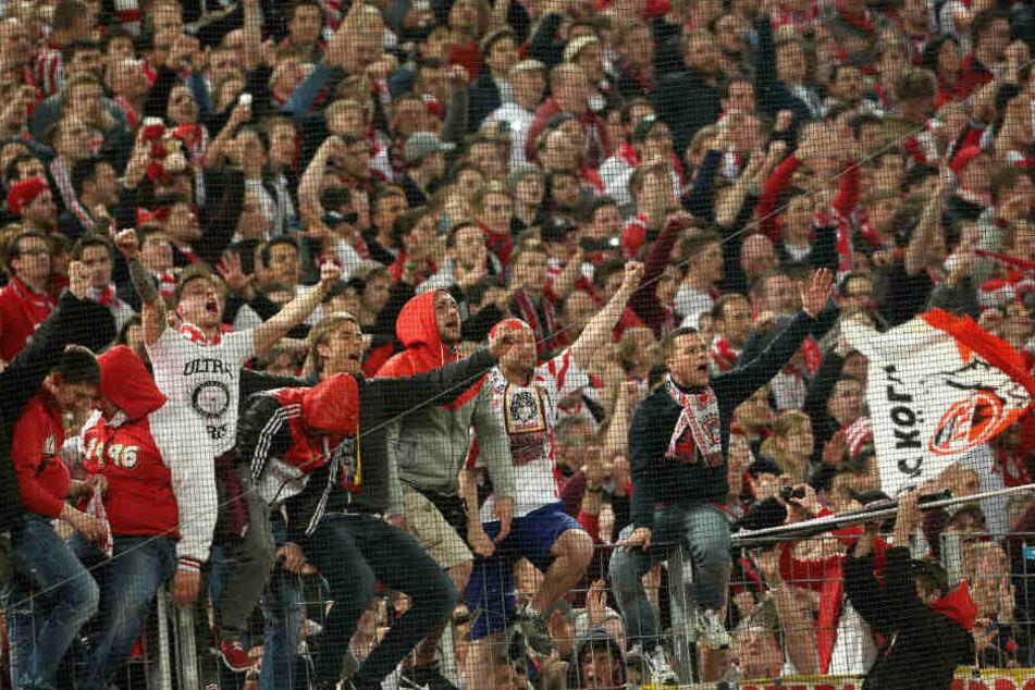 Wann dürfen die FC-Fans - wie hier 2014 - den Aufstieg bejubeln? Hoffentlich nach einem Heimspiel!