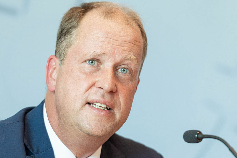 Familienminister Joachim Stamp (FDP) steht in der Kritik.