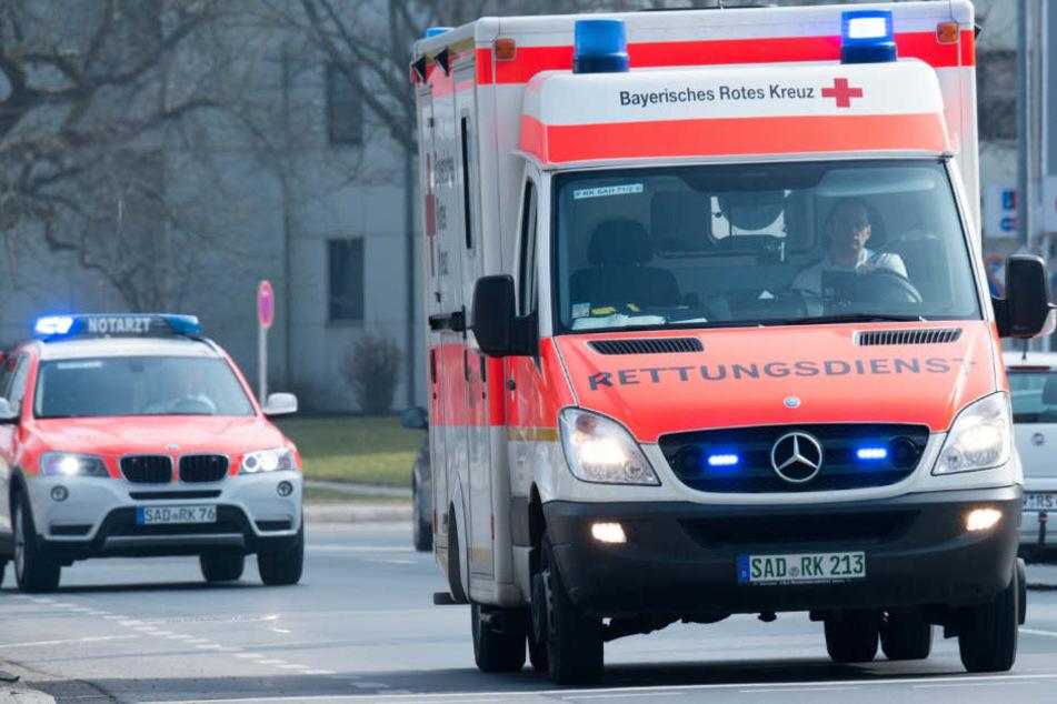 Die Rettungskräfte konnten das Leben der Seniorin nicht retten. (Symbolbild)