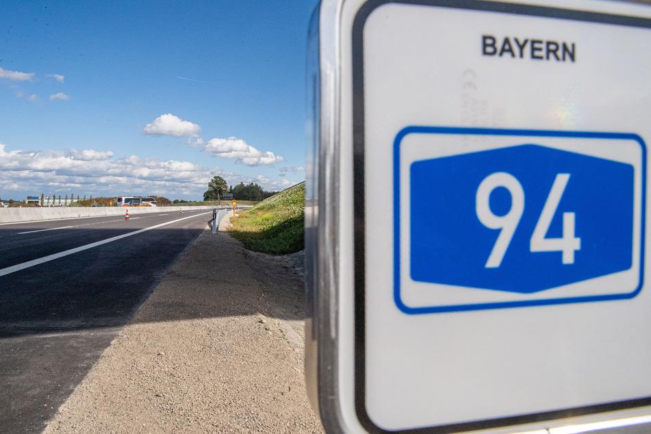 Aktuelle Unfall A94 News von der neuen Autobahn (Foto: Lino Mirgeler/dpa).