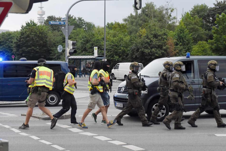 Etwa 2600 Polizisten waren beim Amoklauf im Olympiaeinkaufszentrum in München 2016 im Einsatz.