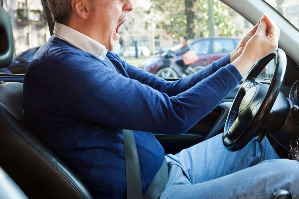 Als jemand einen Parkplatz freihalten wollte, rastete ein Mann komplett aus. (Symbolbild)