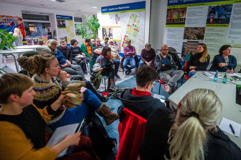 Interesse am Brühl ungebrochen: Anwohner, Unternehmer und Politiker in großer, öffentlicher Runde.