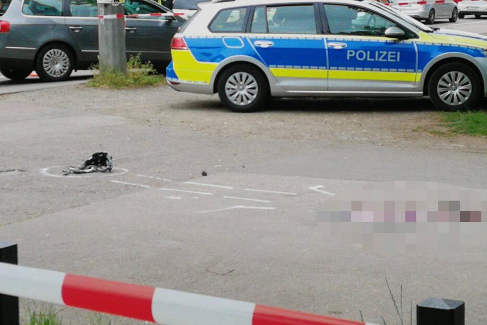 Eine Radfahrerin ist am Mittwoch auf der Jahnallee überfahren worden.