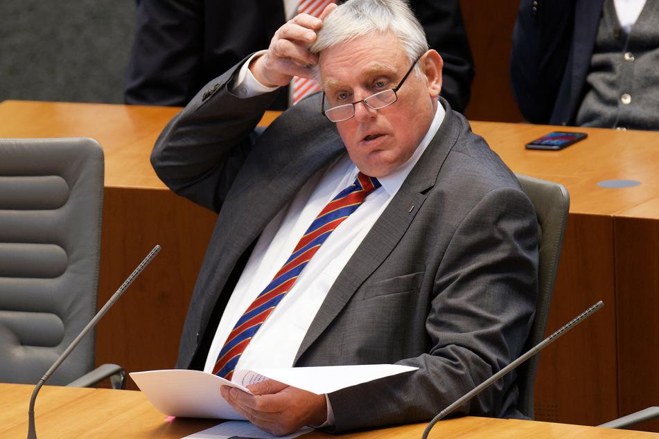 Karl-Josef Laumann, Minister für Arbeit, Gesundheit und Soziales des Landes Nordrhein-Westfalen (CDU).